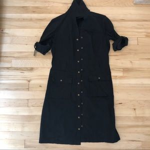 Amazing shirt dress with snaps and tie waist